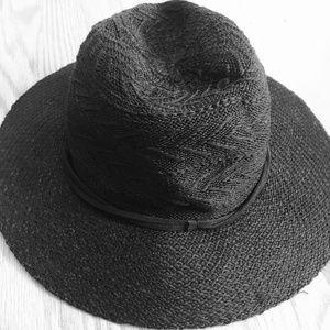 PacSun Kendall & Kylie Threaded Black Sun Hat